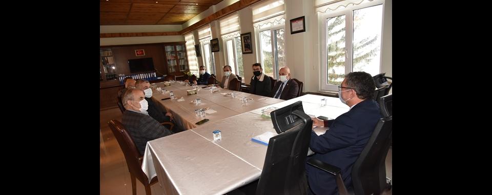 Başkan Gök, İlçe Başkanlarıyla Toplandı