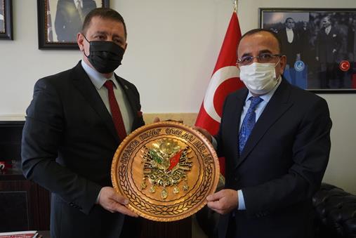 Başkan Tural ve oda başkanlarından MHP'ye ziyaret